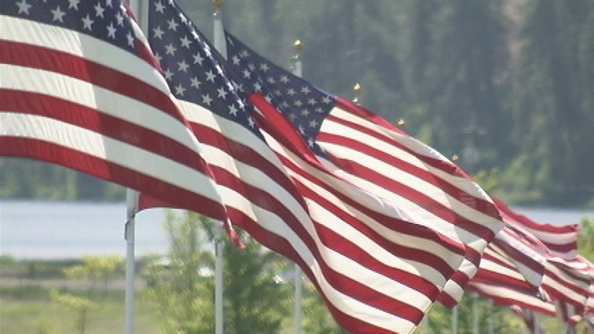 Hundreds gather at Washington State Veterans Cemetery to remember the fallen on Memorial Day