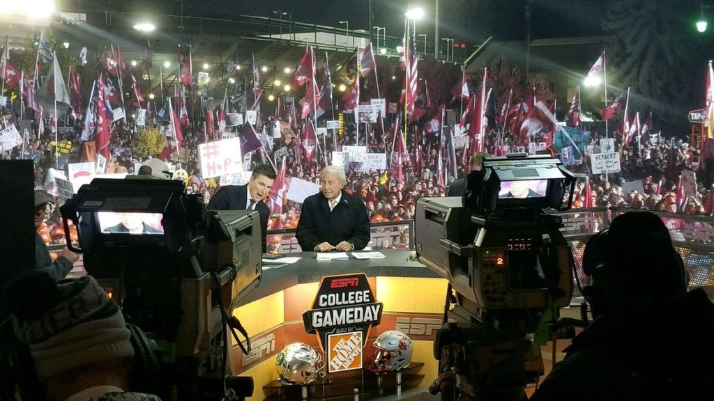 5 College Gameday signs you have to see from Pullman