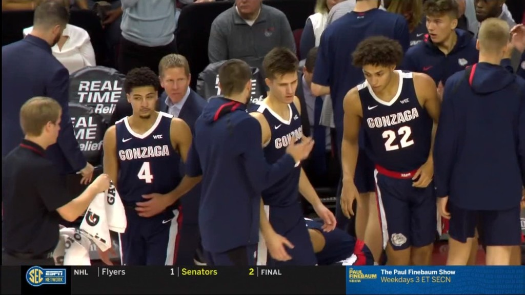 Gonzaga men's basketball stays at no. 8 for another week