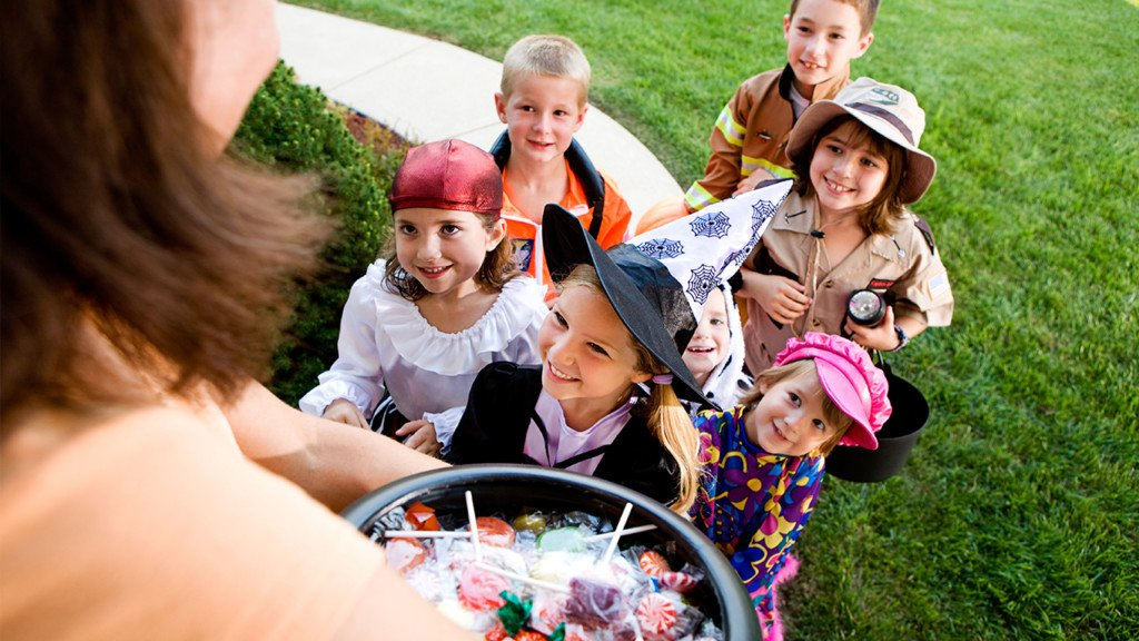 Trick-or-treat downtown Coeur d'Alene!