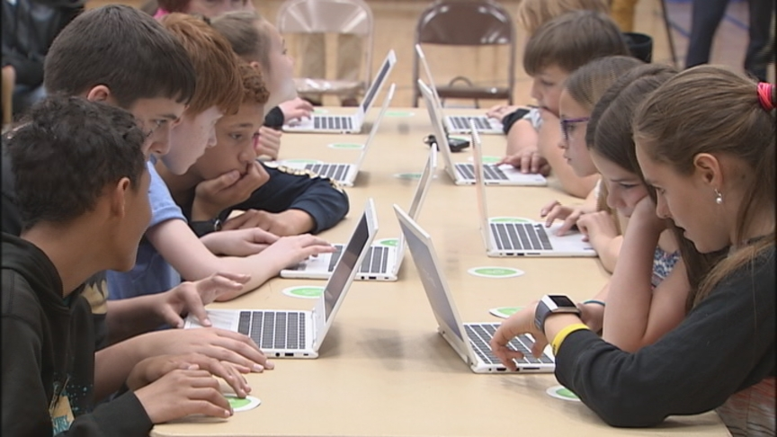 Regal Elementary students learn to code during hands-on Google class