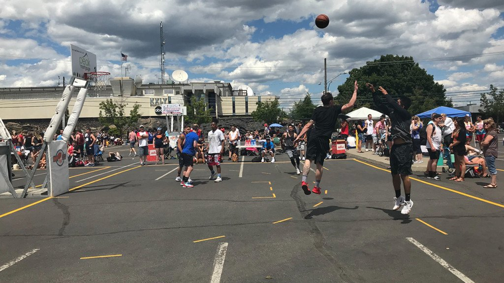 978 people visit medical tents on day 1 of Hoopfest