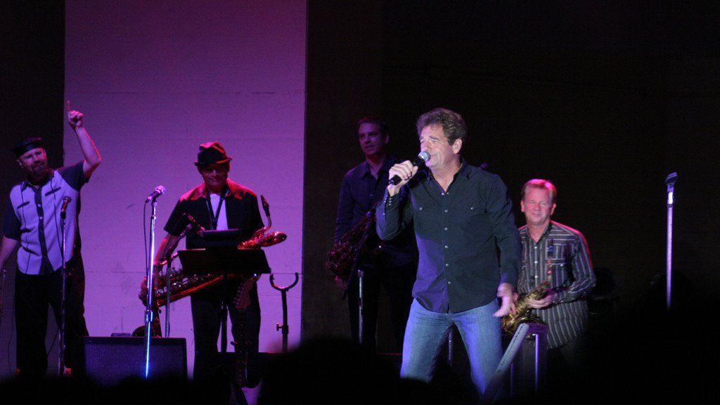 Huey Lewis and the News cancel Northern Quest performance