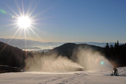 Schweitzer Mountain Resort fires up snow-making machines to combat lack of snow