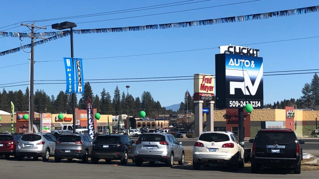 Thieves steal $50K in cars, equipment from Spokane auto lot