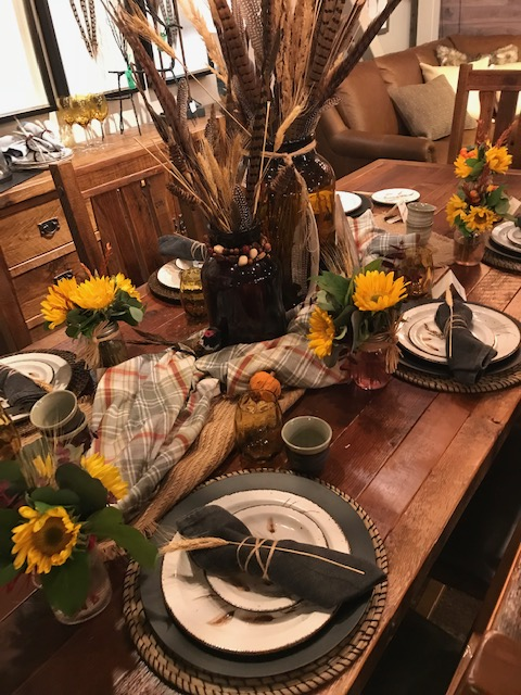 Put the Happy Back in Your Holidays: Thanksgiving table decorating tips from the pros