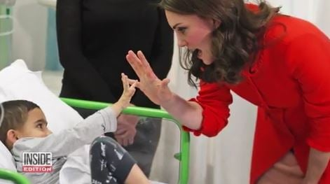 Kate Middleton channels Princess Diana with visit to sick kids in hospital
