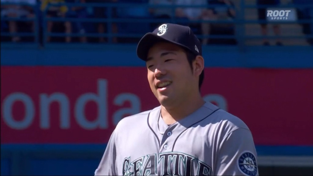 Kikuchi throws 2-hitter for 1st shutout, Mariners top Jays