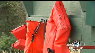Man swept away in Salmon River after attempting to save children from tipped canoe