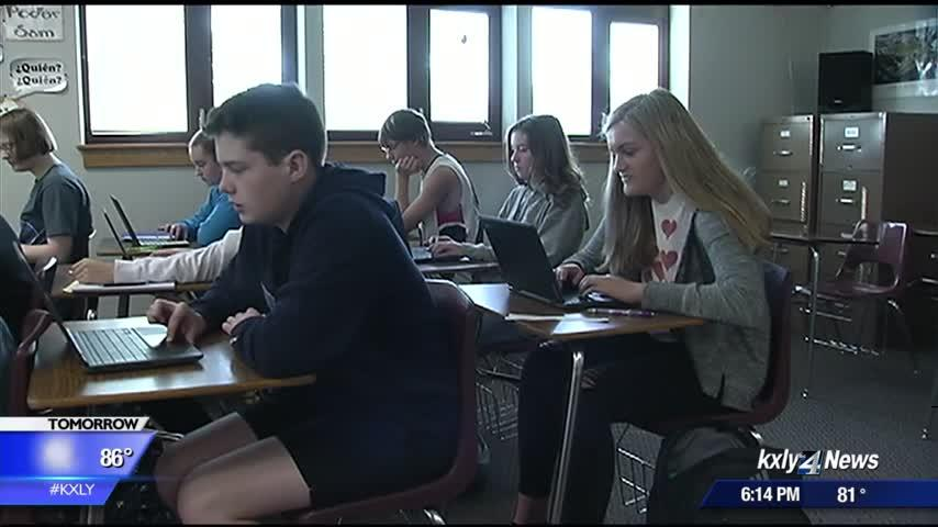 Medical Lake High School students return to school with laptops