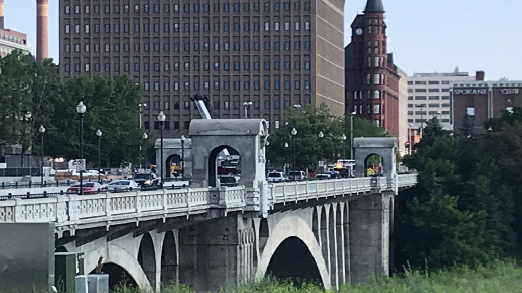 Section of Monroe Street Bridge closed Saturday for emergency response