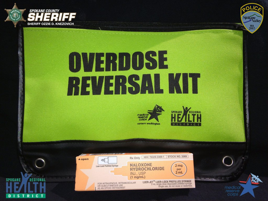 Deputy responding to reported dead body administers Narcan to save man's life