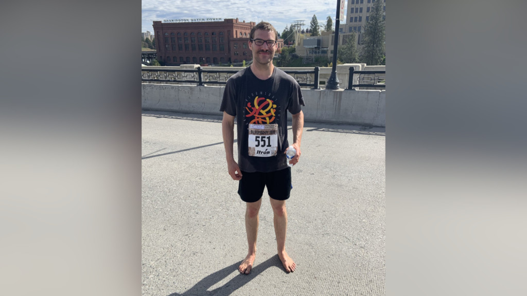 Barefoot Bloomie: Man runs 12K with no shoes