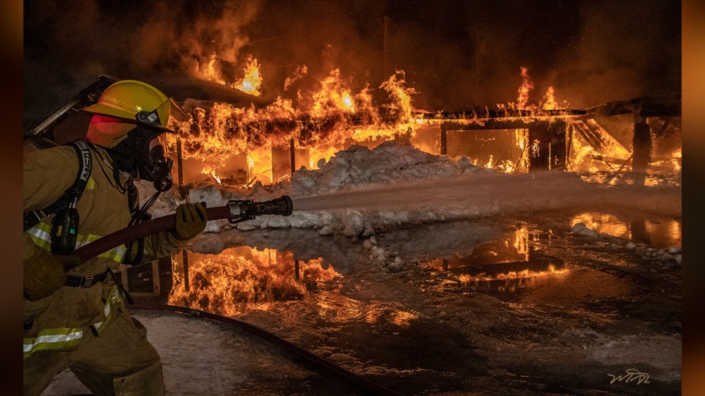 Fire destroys garage and home in Oldtown, Idaho Wednesday night