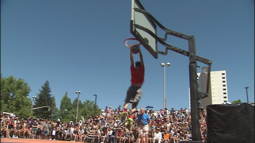 Hoopfest dunk contest semifinals