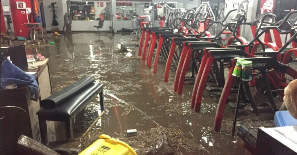Pullman businesses damaged by flood waters