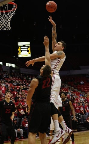Lacy, Cougars pull off upset, get past Stanford