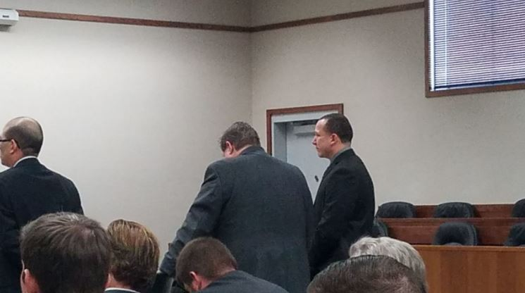 Grant County deputy who accidentally shot wife enters plea agreement