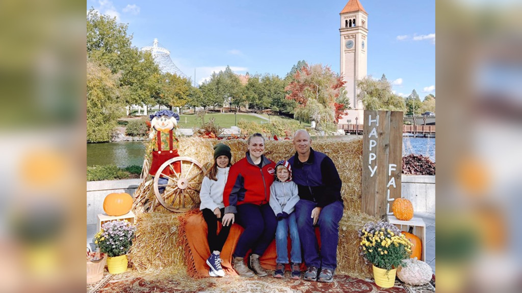 Fall-themed photo opportunities available for families at Riverfront Park