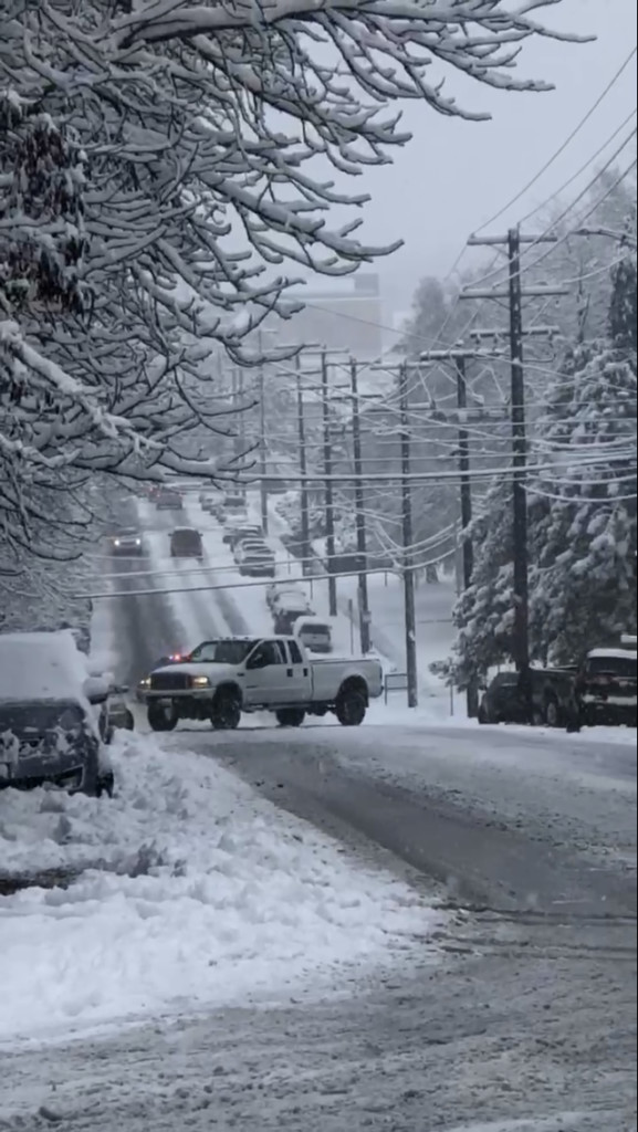 Rockwood closed for stuck truck