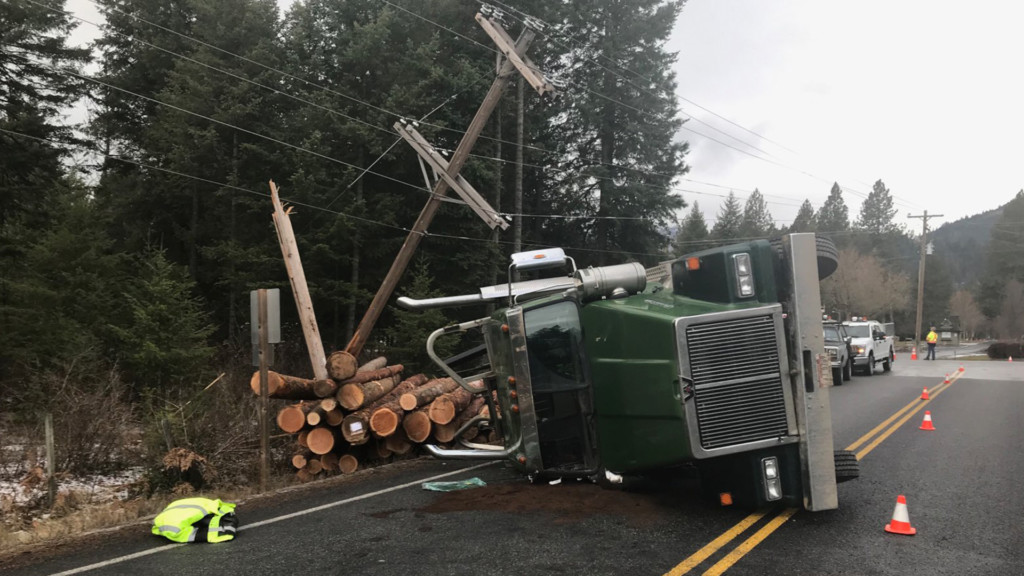 Log truck overturns on Highway 41 near Twin Lakes, causes widespread power outage