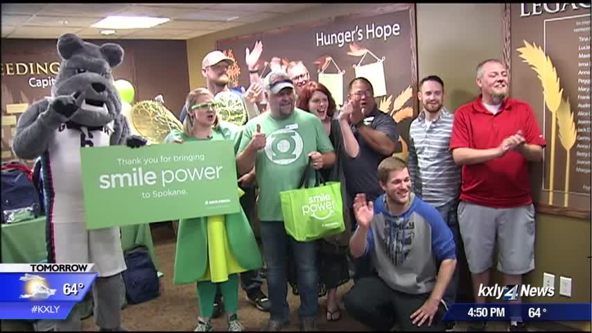 Second Harvest volunteer who used to be homeless honored as 'Smile Maker'
