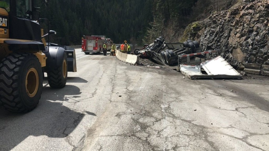 One injured in semi crash on Fourth of July Pass