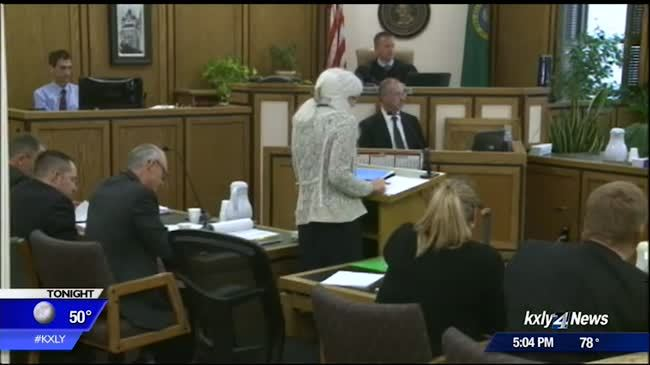 Slain toddler's mom takes stand in murder trial