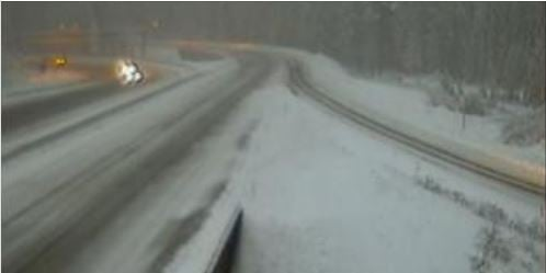 UPDATE: Snoqualmie Pass eastbound lanes closed, westbound requires chains