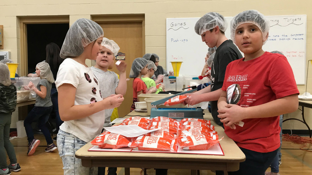 Jefferson Elementary students package Thanksgiving soup for non-profit