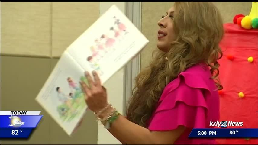 Panel to discuss Drag Queen Story Hour at library will be held tonight