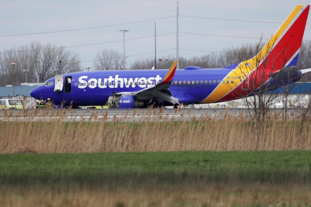 Hundreds of Southwest flights canceled, delayed by emergency inspections