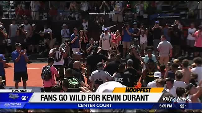 Hoopfest-goers react to surprise Kevin Durant appearance
