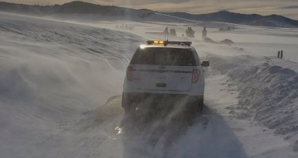 Drifting snow closes SR 27 in Latah