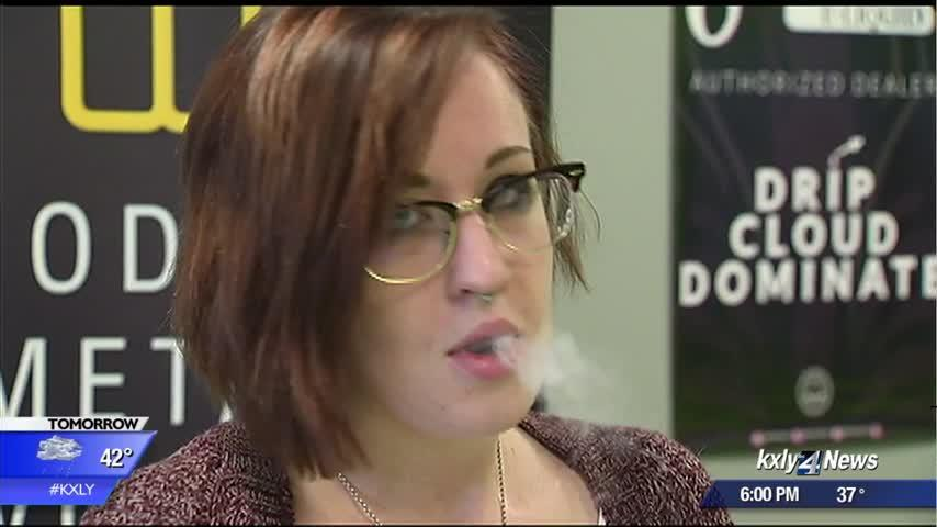 Proposal to raise smoking, vape age clears state House