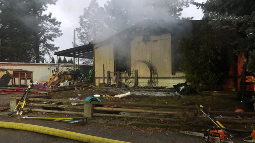 Spokane Valley mobile home destroyed in Wednesday morning fire