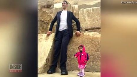 World's tallest man meets world's shortest woman