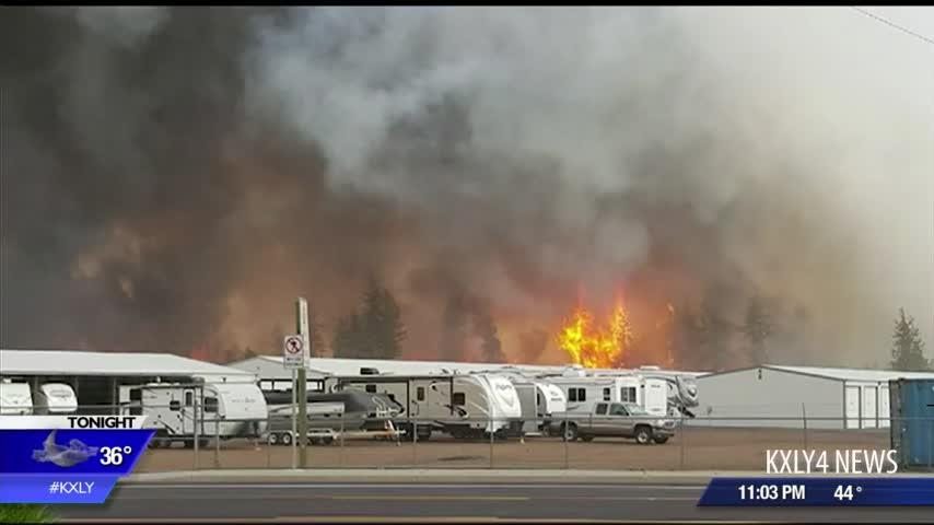 Tenants scramble to safety after wildfire threatens Cheney RV park