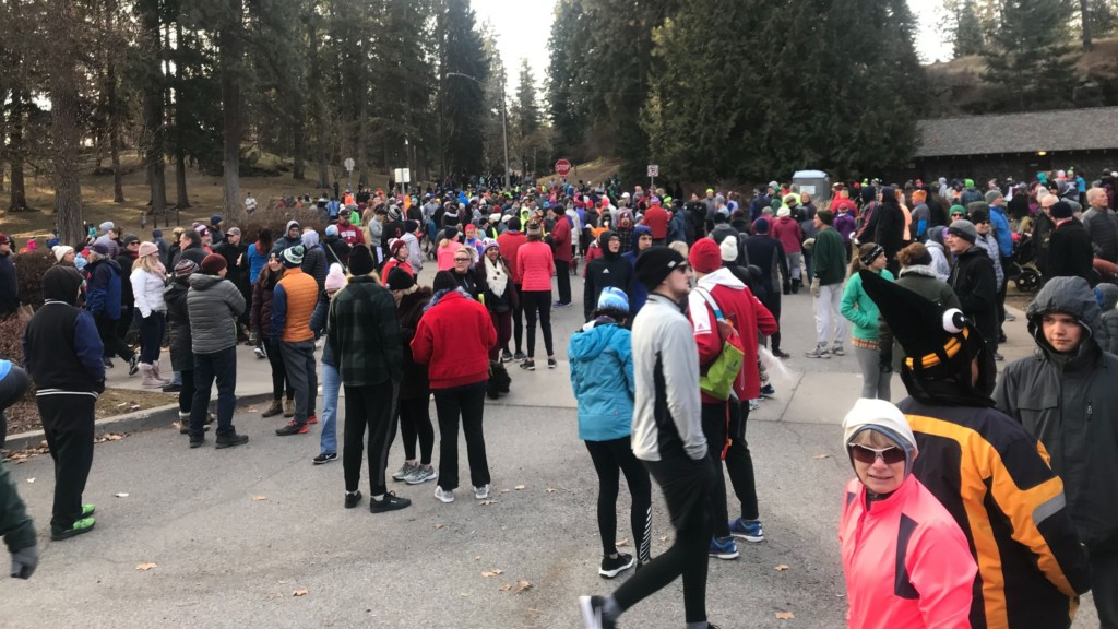 Thousands gather at Manito Park for Second Harvest's annual Turkey Trot