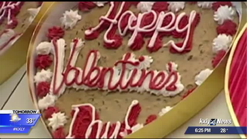 Valentine's Day spending expected to hit record despite drop in participation