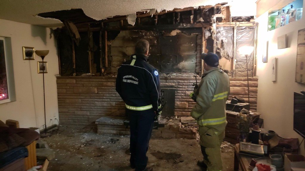Six people displaced by Spokane Valley house fire