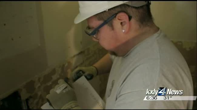 Curlew Job Corps pitches in on Spokane Humane Society makeover