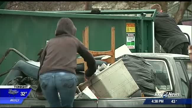 Volunteers give Logan Neighborhood major spring cleaning