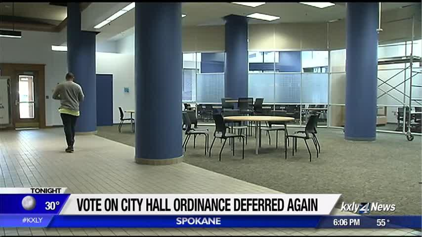 Vote on ordinance to allow homeless in city hall deferred again