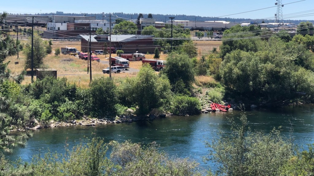 First responders pull man from Spokane River, victim in critical condition