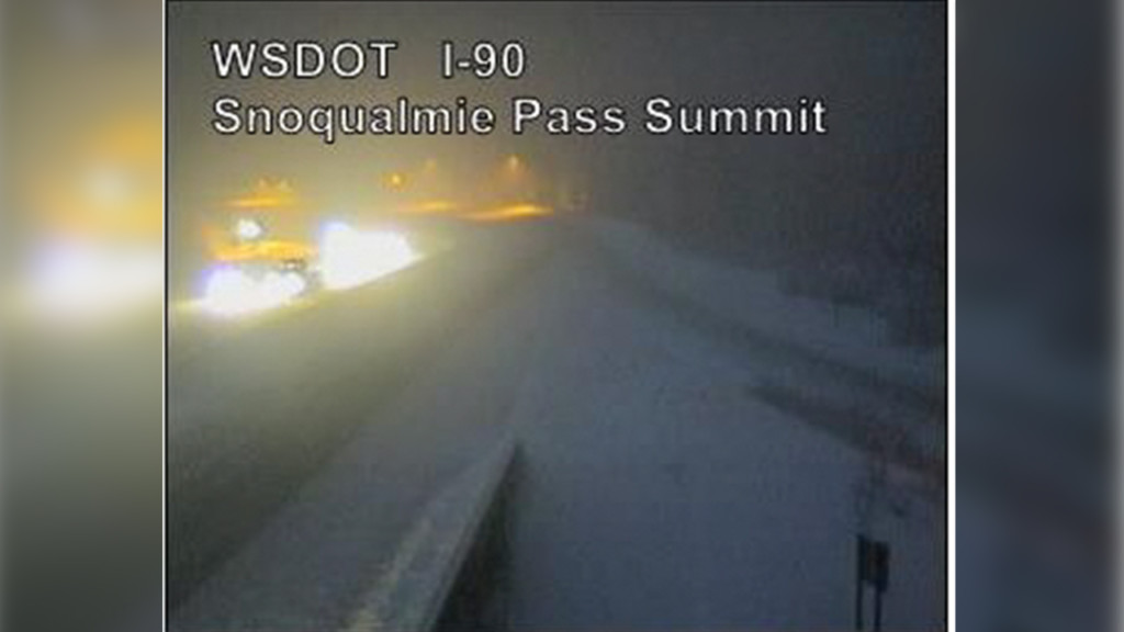 Wesbound lane of I-90 reopens at Snoqualmie Pass near Easton