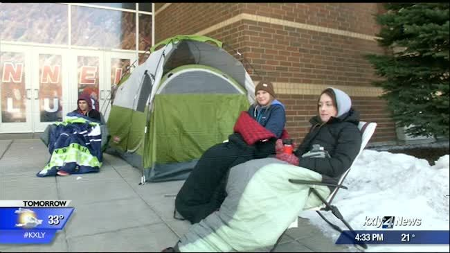 Zag fans face cold to catch final MBB home game