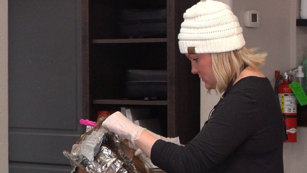 Coeur d'Alene hairstylist looks for work