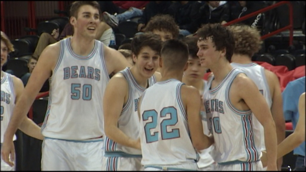 Central Valley's Dylan Darling scored 19 points to help the Bears beat Uhigh, 63-60.