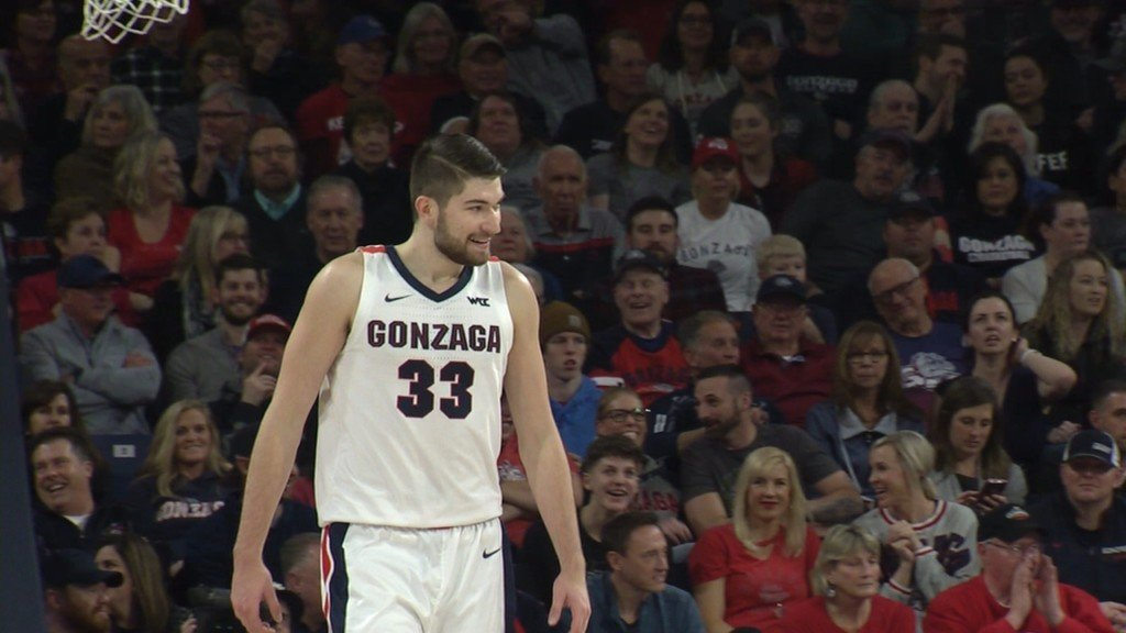 Killian Tillie scored 22 points as the No. 1 Zags beat BYU for the sixth consecutive game